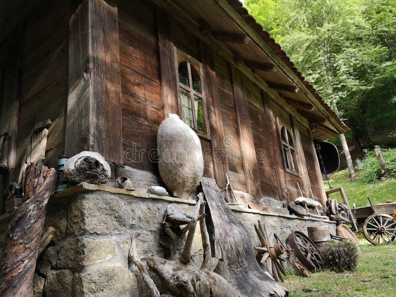 Vecchia casa di etno fotografia stock