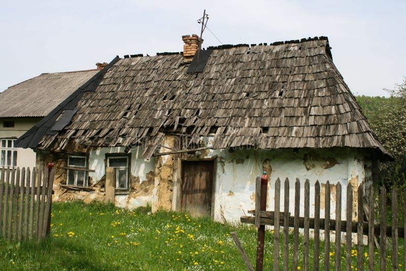 Vecchia casa di Karpatian fotografia stock