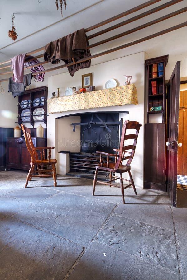 Vecchia casa irlandese del cottage fotografia stock