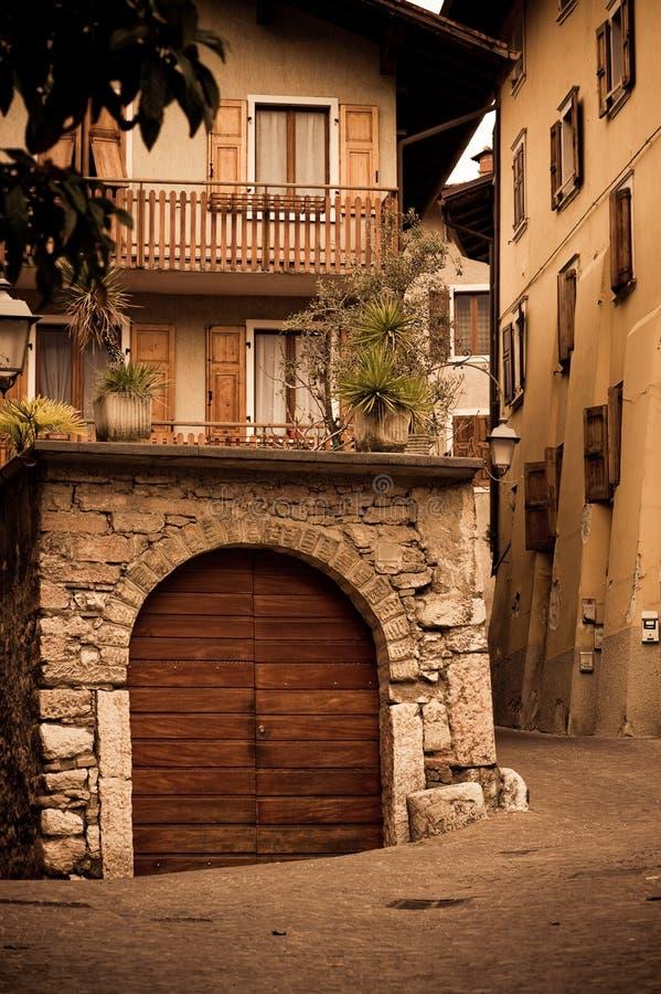 Vecchia casa italiana immagini stock