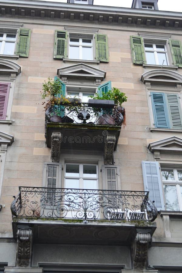 Vecchia casa nel centro di Zurigo fotografie stock libere da diritti