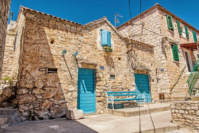 Vecchia casa tradizionale nell'isola di Solta, Croazia fotografia stock libera da diritti