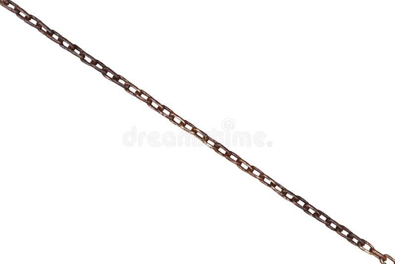 Vecchia catena arrugginita bagnata dell'acciaio isolata su bianco immagine stock libera da diritti