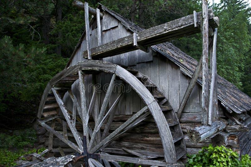 Vecchia centrale elettrica di legno fotografia stock libera da diritti
