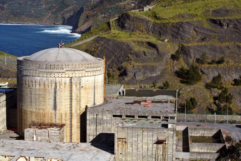 Vecchia centrale nucleare fotografia stock