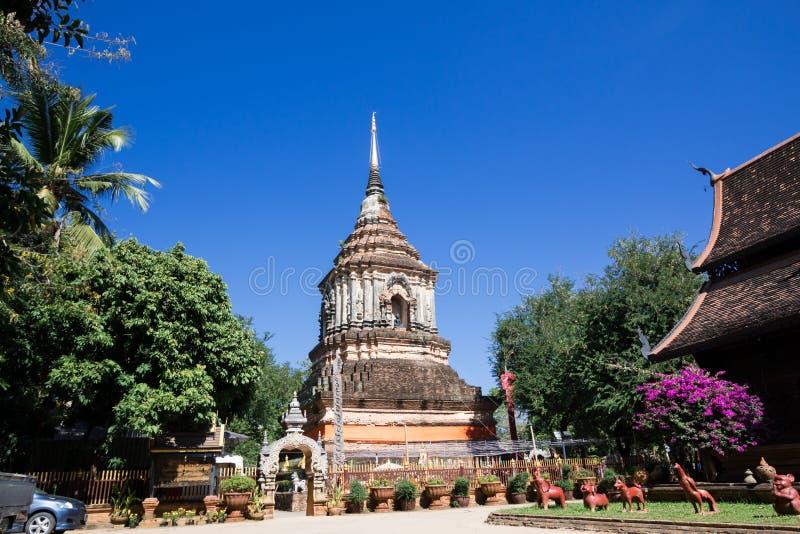 Vecchia chiesa di legno di Wat Lok Molee fotografie stock
