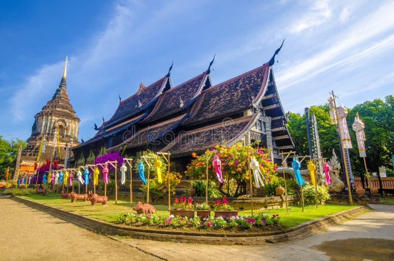 Vecchia chiesa di legno di Wat Lok Molee Chiangmai Thailand fotografia stock