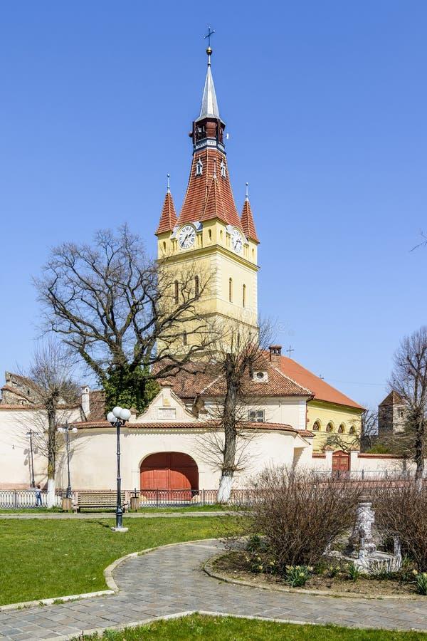 Vecchia chiesa fortificata in Cristian, Brasov, Romania fotografia stock