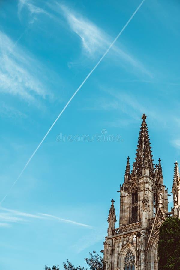 Vecchia chiesa nel quarto gotico di Barcellona Anche ? chiamato come Barri Gotic fotografia stock libera da diritti