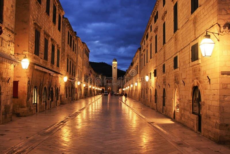 Vecchia città alla notte, Ragusa fotografia stock libera da diritti