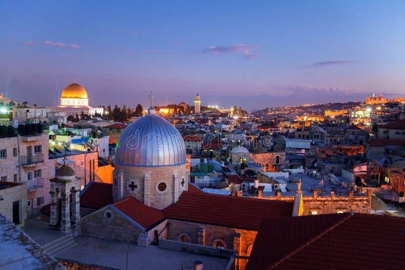 Vecchia città di Gerusalemme alla notte, Israele fotografia stock