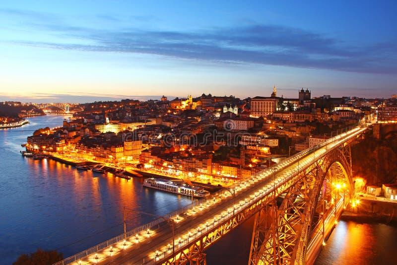Vecchia città di Oporto e di Dom Luis Bridge, Portogallo fotografia stock