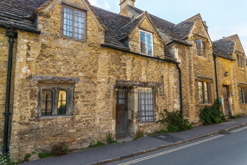 Vecchia città inglese e bei monumenti storici, vecchia via, h fotografie stock libere da diritti