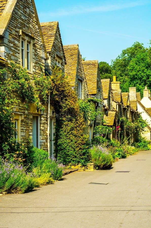 Vecchia città inglese e bei monumenti storici, vecchia via, h immagine stock libera da diritti