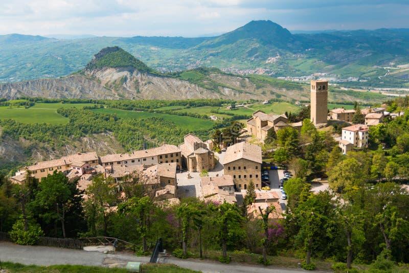Vecchia città medievale San Leo nelle regioni della Marche in Italia fotografia stock
