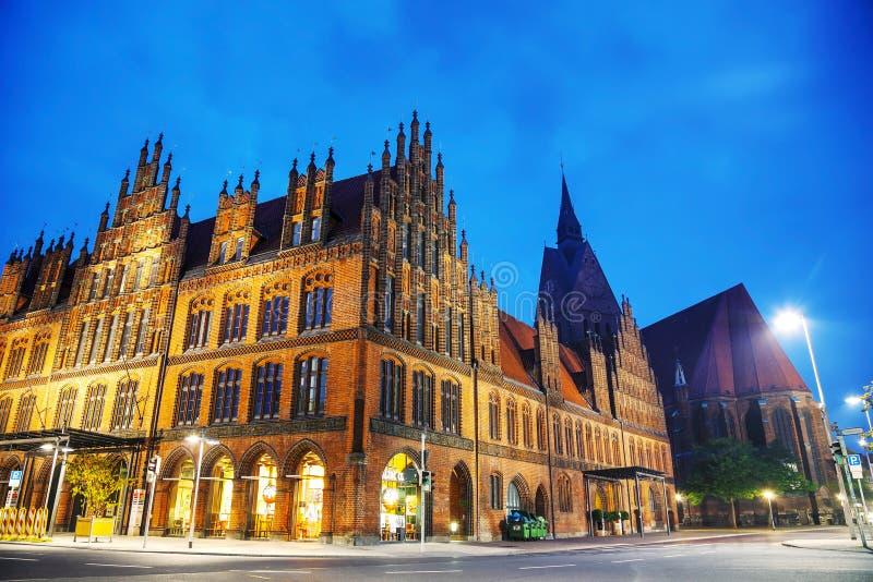 Vecchia costruzione del municipio a Hanns Lilje Platz a Hannover fotografia stock