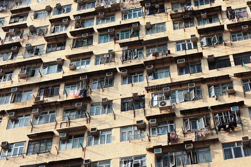 Vecchia costruzione di appartamento immagini stock