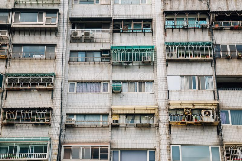 Vecchia costruzione di appartamento residenziale in Taipei, Taiwan immagini stock libere da diritti