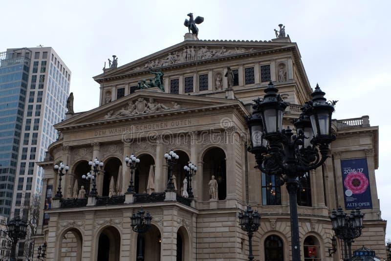 Vecchia costruzione di opera a Francoforte fotografia stock