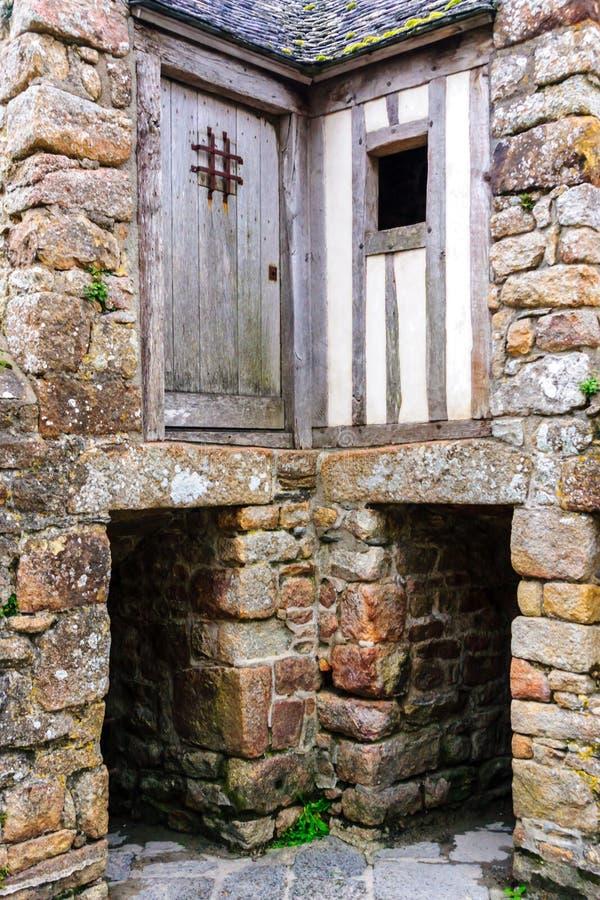 Vecchia costruzione nel Le Mont-San-Michel Monastery immagini stock