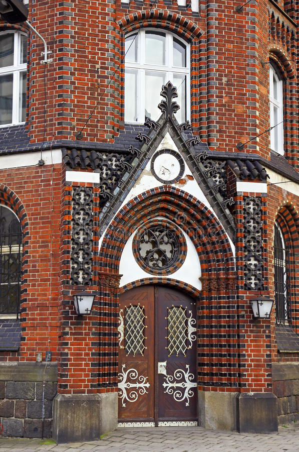Vecchia costruzione tradizionale di gotico-stile immagine stock
