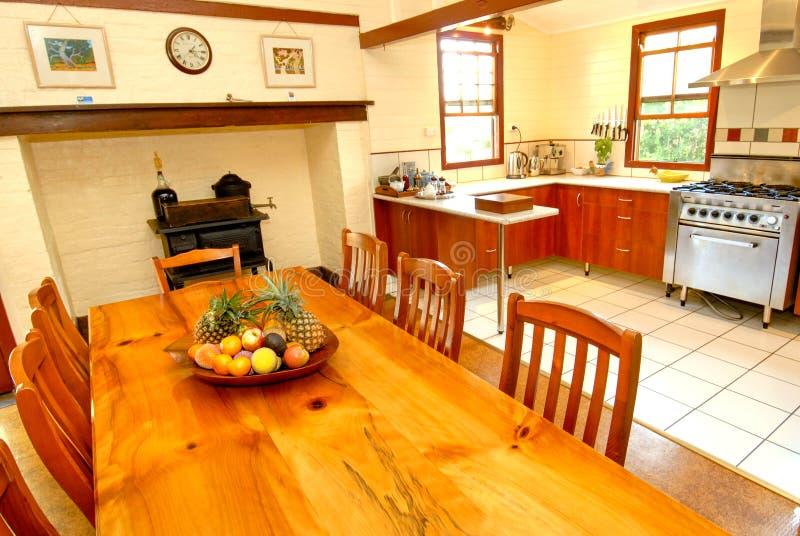 Vecchia Cucina Coloniale Di Stile Immagine Stock - Immagine ...