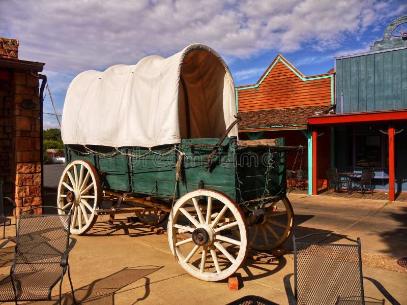 Vecchia diligenza occidentale del vagone coperto fotografie stock
