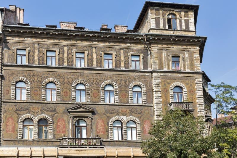 Vecchia e bella architettura a budapest ungheria for Destinazione casa