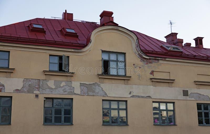 Vecchia e casa consumata di demolizione a Upsala fotografia stock libera da diritti