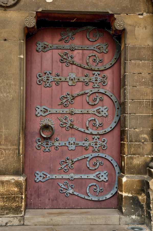 Vecchia e porta storica in Francia fotografia stock libera da diritti