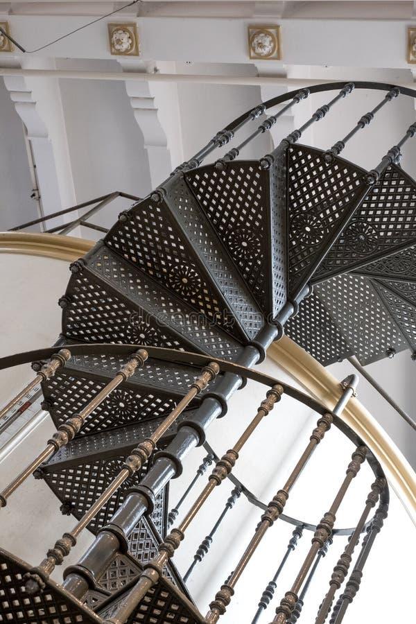 Vecchia fabbrica del vermut di Carpano a Eataly, Torino Italia La foto mostra le scale ed il dettaglio a spirale dell'architettur immagini stock libere da diritti