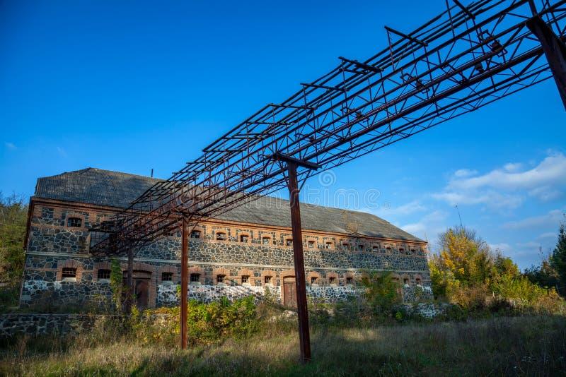 Vecchia fabbrica distrutta fotografia stock