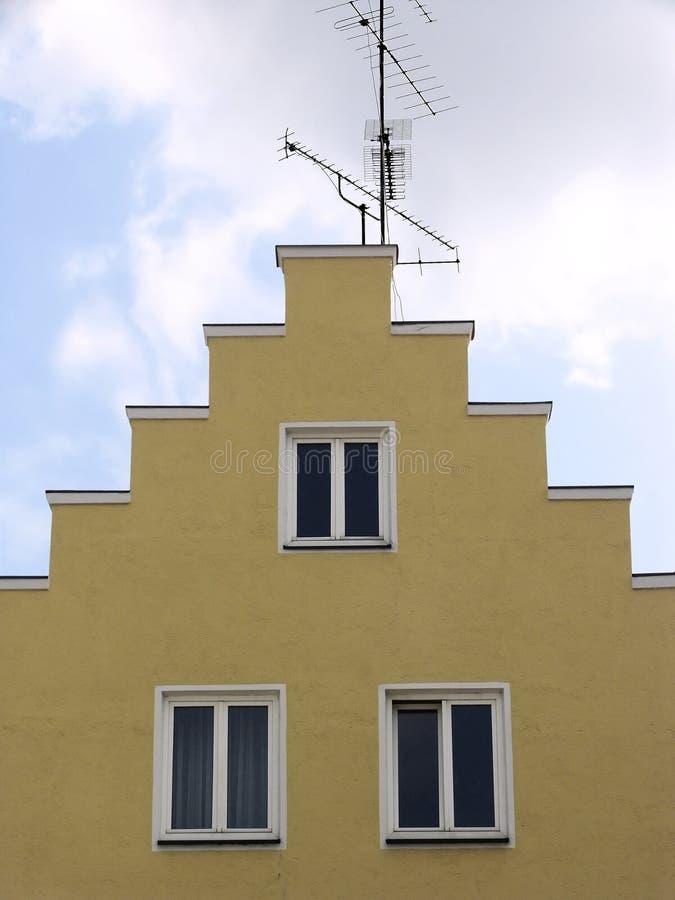 Vecchia facciata della casa immagine stock