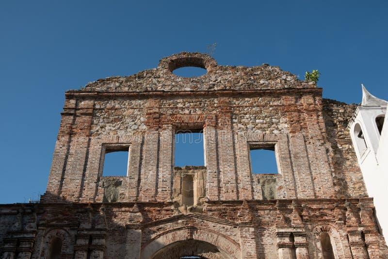 Vecchia facciata della costruzione in Casco Viejo in Panamá - a storica fotografie stock libere da diritti