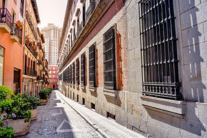 Vecchia facciata di costruzione tipica Madrid, Spagna fotografia stock libera da diritti