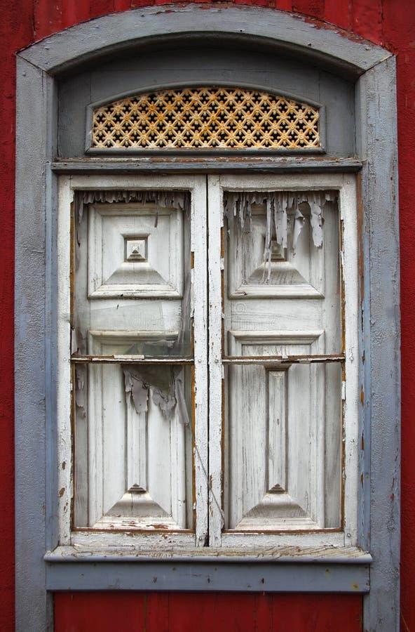 Vecchia finestra fotografia stock immagine di costruzione for Finestra vecchia