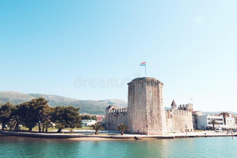 Vecchia fortezza medievale del castello di Traù Kamerlengo immagine stock libera da diritti