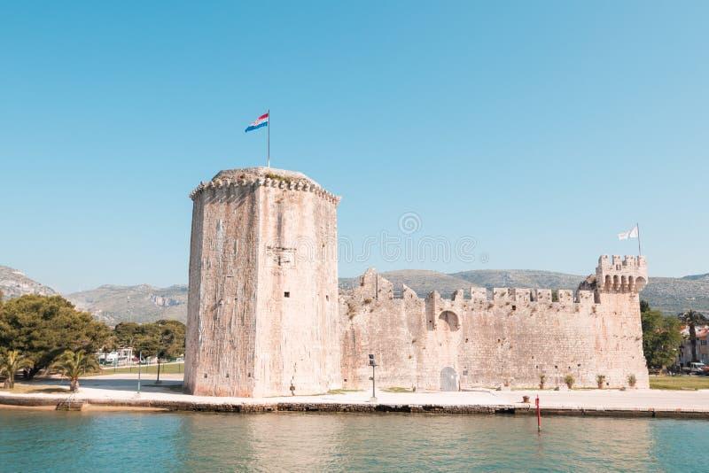 Vecchia fortezza medievale del castello di Traù Kamerlengo fotografie stock libere da diritti