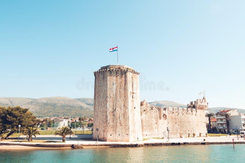 Vecchia fortezza medievale del castello di Traù Kamerlengo fotografie stock