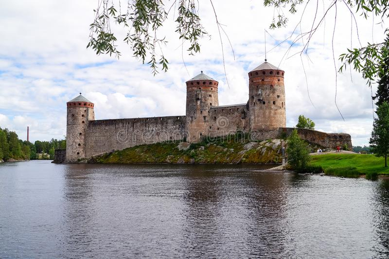 Vecchia fortezza Olavinlinna in Savonlinna Finlandia fotografie stock