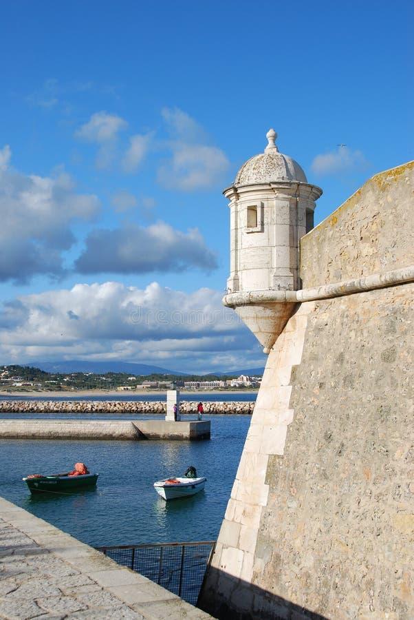 Vecchia fortificazione del mare a Lagos, EL Algarve, Portogallo fotografia stock libera da diritti