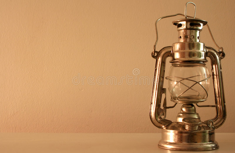 Download Vecchia lanterna immagine stock. Immagine di lampada, olio - 213305