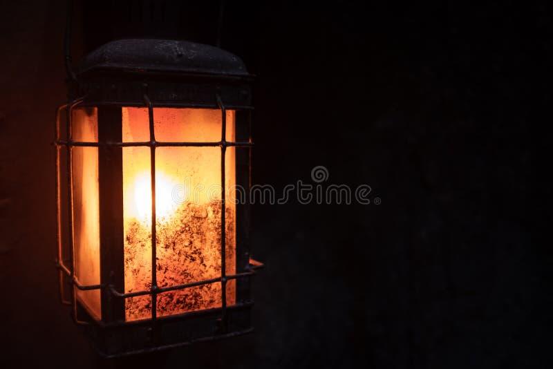 Vecchia lanterna spettrale o lampada immagini stock libere da diritti