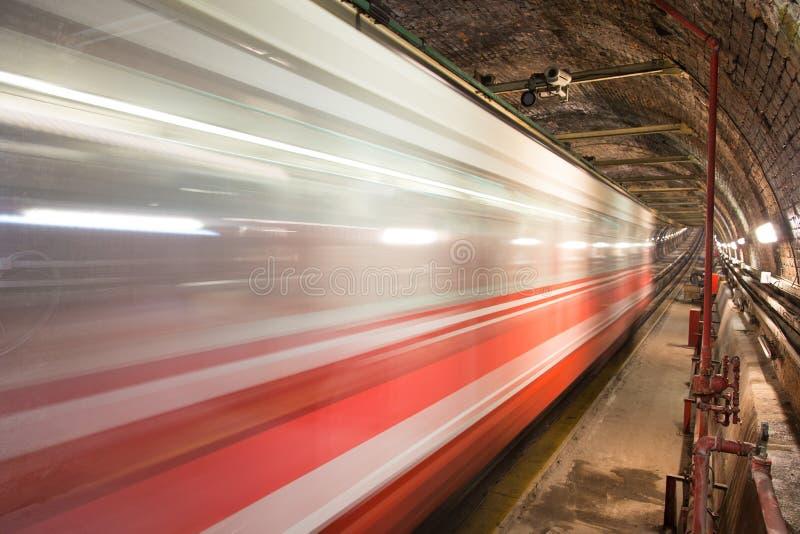 Vecchia linea del tunnel fotografia stock