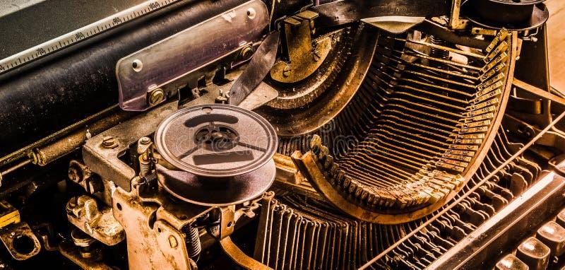 Vecchia macchina da scrivere di stile d'annata Quello inoltre si applica nella a digitale fotografia stock libera da diritti