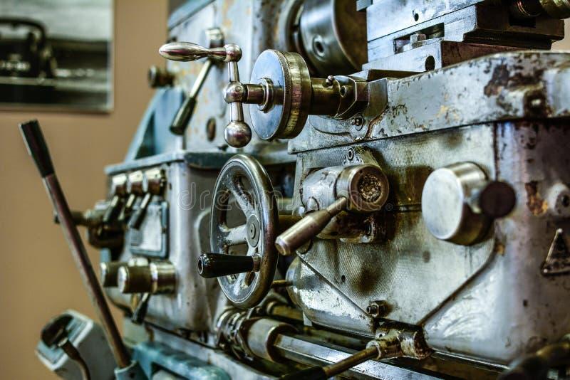 Vecchia macchina del tornio immagini stock