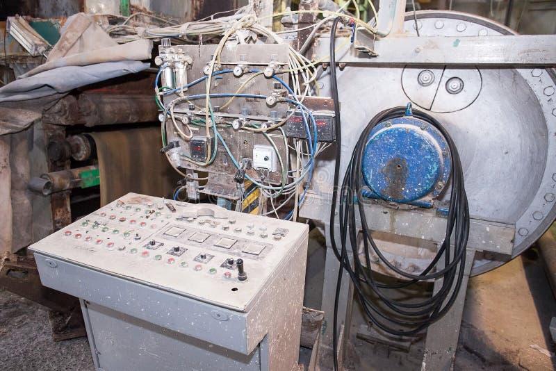 Vecchia macchina di produzione Vecchia manifattura Frammento della macchina industriale fotografia stock libera da diritti