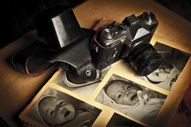 Vecchia macchina fotografica immagine stock