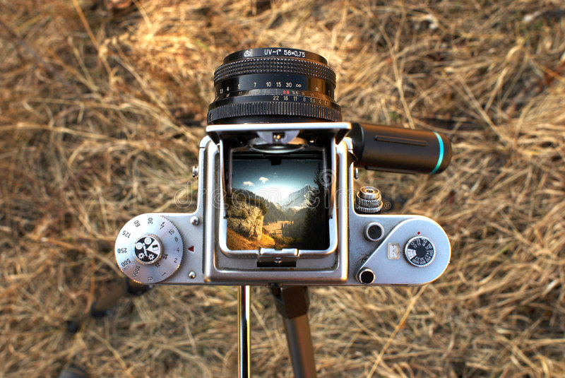 Vecchia macchina fotografica di SLR immagine stock