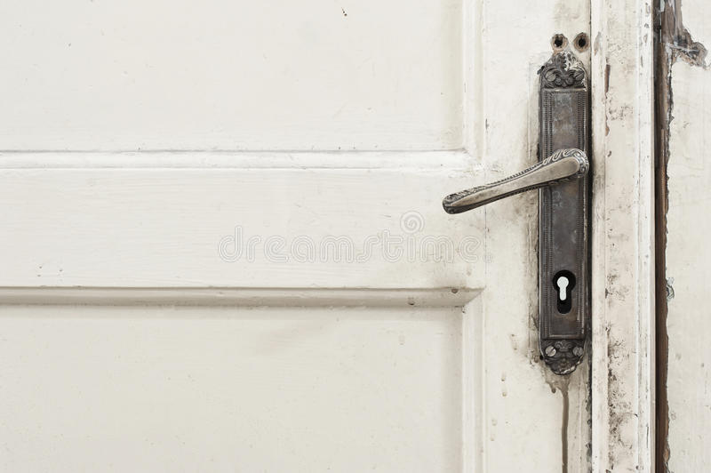 Vecchia maniglia di porta fotografia stock libera da diritti